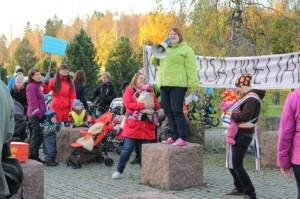Kaarinassa järjestettiin tänä syksynä mielenilmaus Kaarina-lisän säilyttämisen puolesta.