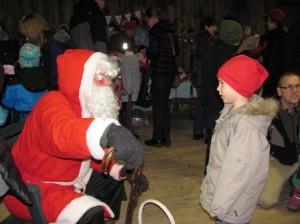 Viisivuotias Oiva pääsi juttusille itsensä joulupukin kanssa. Pukki kyseli pojan lahjatoiveista.