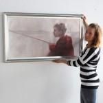 """Näyttelyssä esillä oleva """"Nyt nappaa"""" on Paula Oksmanin tuorein teos."""