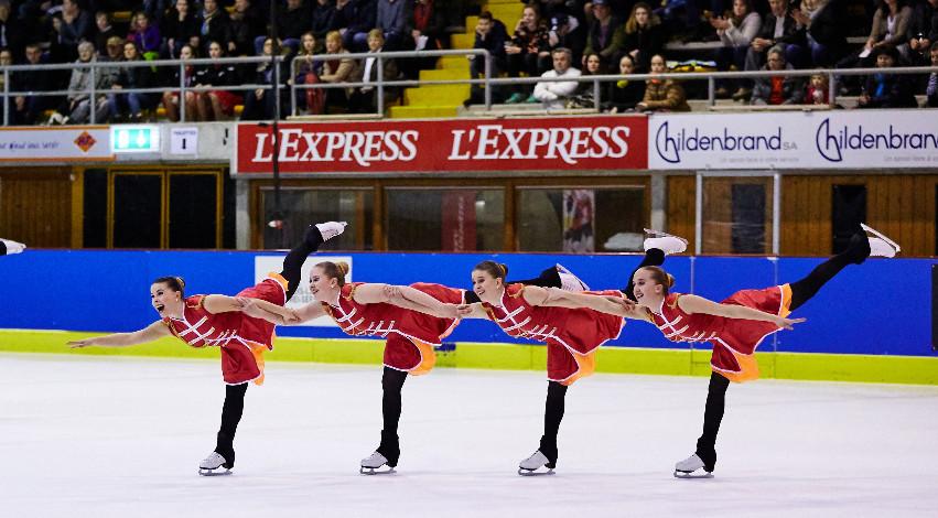 Dream Edges onnistui Sveitsissä. Kuvassa luistelevat Ida Wester, Milla Raunio, Petra Voutilainen, Anni Virta. Kuva: Tero Wester