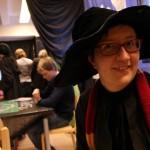 Rohkelikon tuvan johtajaksi muuntunut kirjastonhoitaja Kaarina Sainio on pannut merkille, ettei Harry Potterin magia ole laantunut, vaikka ensimmäisen osan ilmestymisestä on kulunut kohta 20 vuotta. Hän arveli, että vain Star Warsin ympärille rakennettu tapahtuma voisi vetää kirjaston yhtä täyteen.