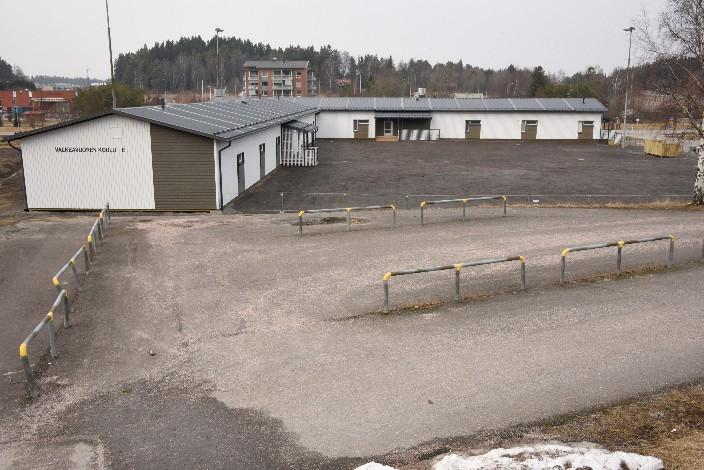 Voivalantien varrella olevat Valkeavuoren koulun väistötilat ovat ollet käytössä viikon ja opppilaat kiittelevät raikasta sisäilmaa.