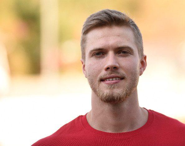 Matti Nuutinen siirtyi Loimaalta Kreikkaan viime kaudeksi. Avausviisikon pelaaja pelasi isossa roolissa ja kehittyi kovassa sarjassa.