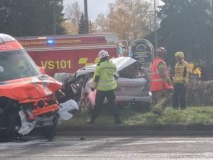 Ambulanssi tarvitsi ambulanssia: Rakentajantien ja 110-tien risteyksessä rysähti